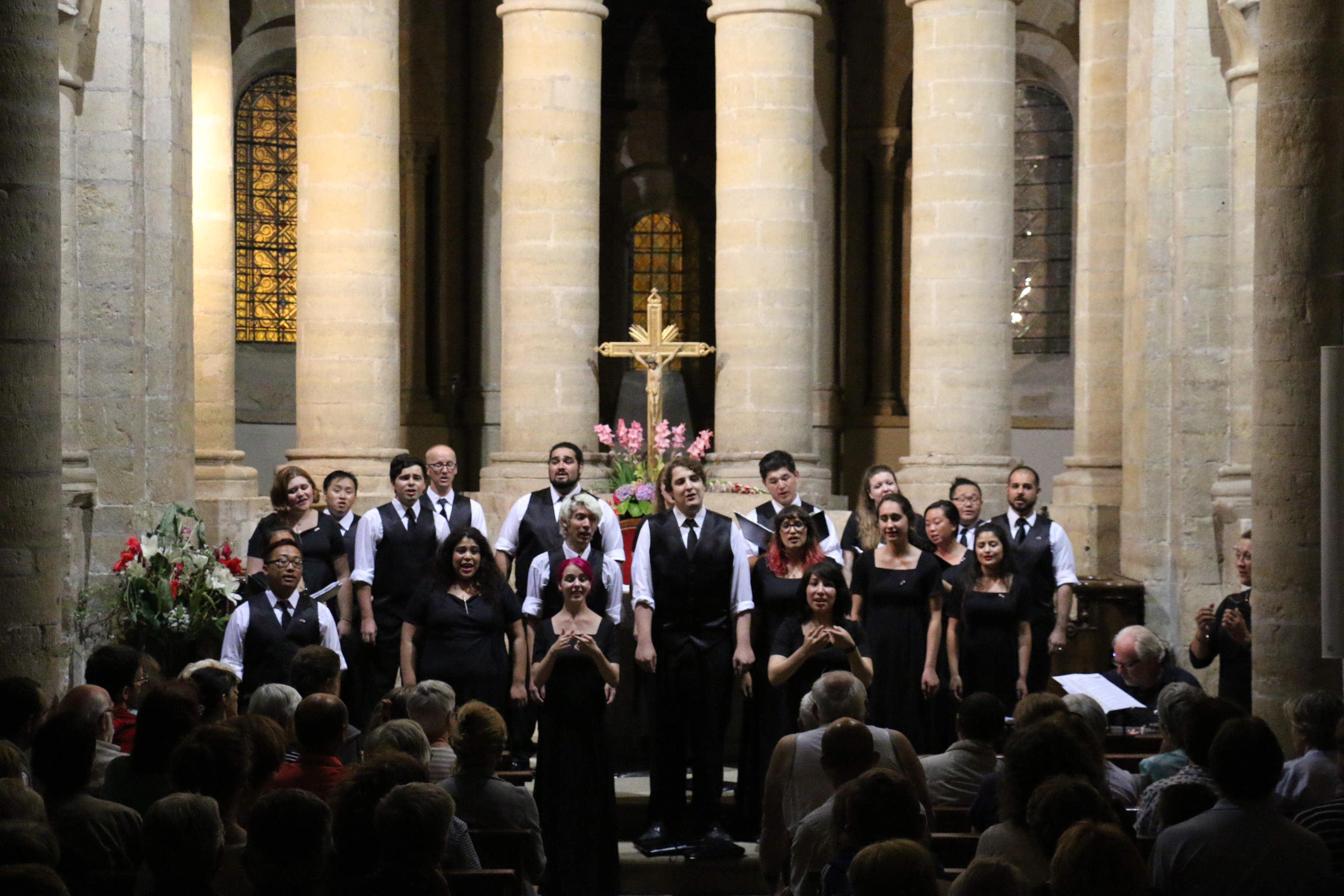 The City Singers perform in Southern France July 2016!